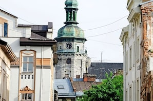 Private Driving City Tour of Lviv