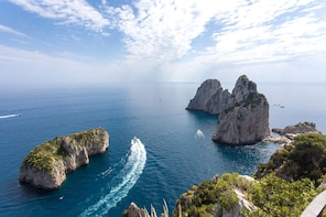 Private Boat Cruise to the Island of Capri from Maiori