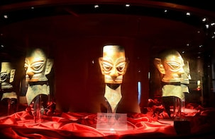 Private Tour of Giant Pandas and Mysterious Sanxingdui Ruins