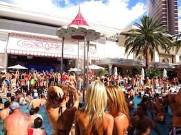 Las Vegas Pool Party Crawl by Party Bus with Fast Pass Entry