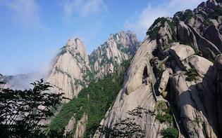 Full Day Coach Tour to Huangshan Mountain