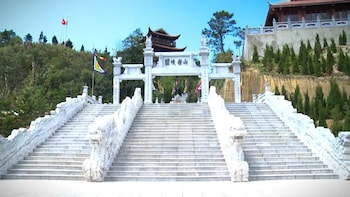 Ba Na Hills and Golden Bridge Day Tour from Da Nang