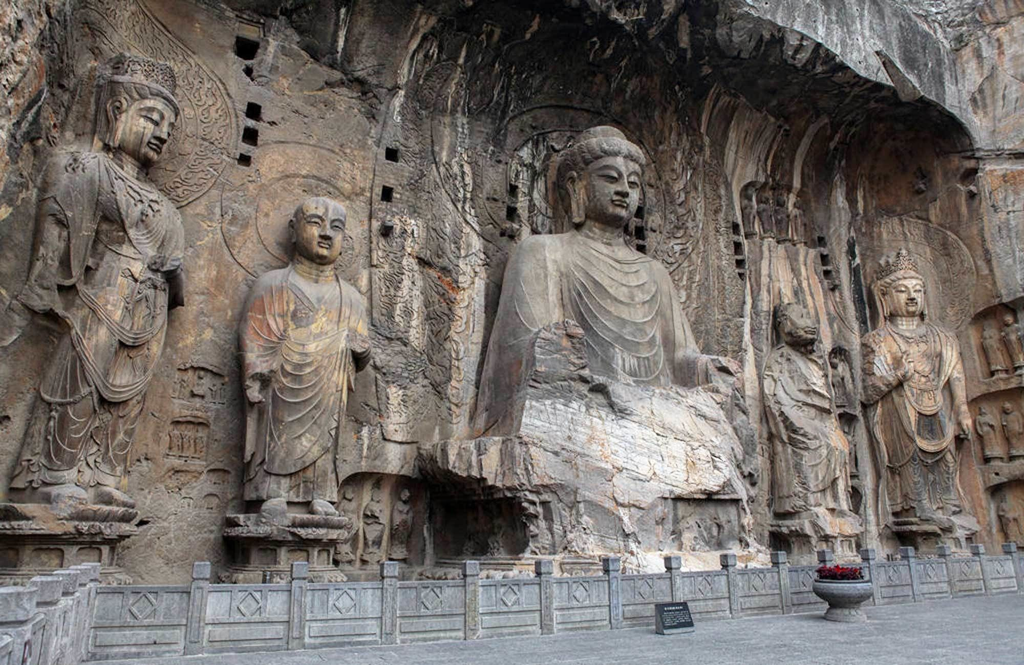 Longmen Grottoes and Shaolin Temple Day Trip in Luoyang