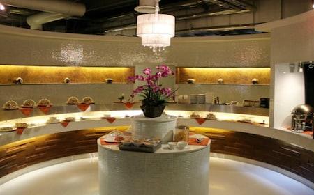 Miracle Lounge in Bangkok Airport