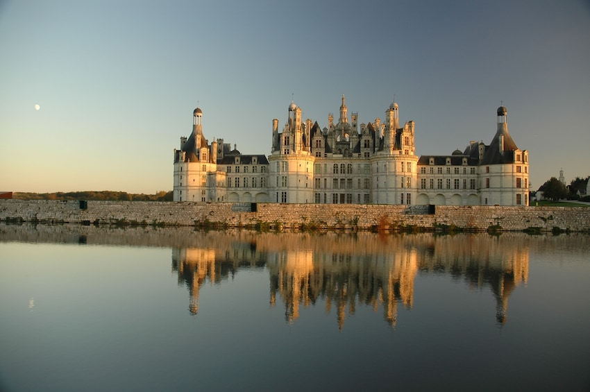 Show item 1 of 5. The Greatest: Chambord, Chenonceau and Wines LVT-GD1