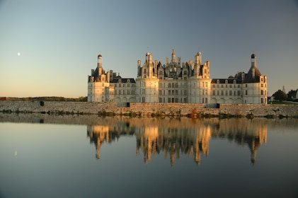 The Greatest: Chambord, Chenonceau and Wines LVT-GD1