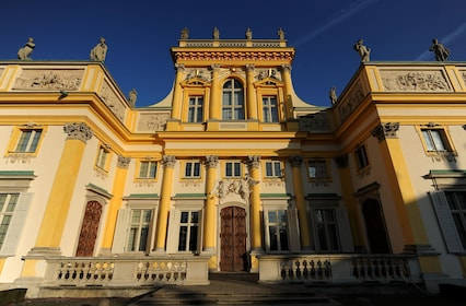 Palace of King Jan III Sobieski in Wilanow: SMALL GROUP TOUR