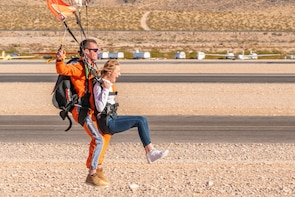 Las Vegas Tandem Skydiving with Photos & Video