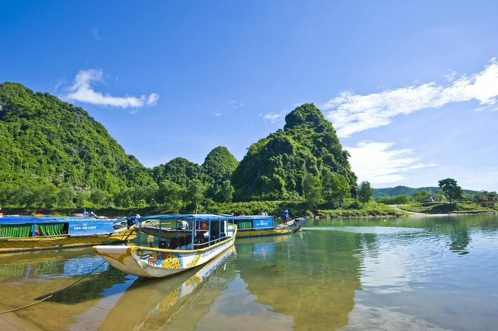 Day Excursion from Hue to Phong Nha Cave