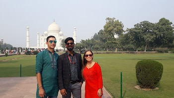 Full Day Taj Mahal & Agra Tour From Jaipur Via AC Cab