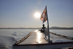 Bagan by Boat: Small Group Sunset Cruise