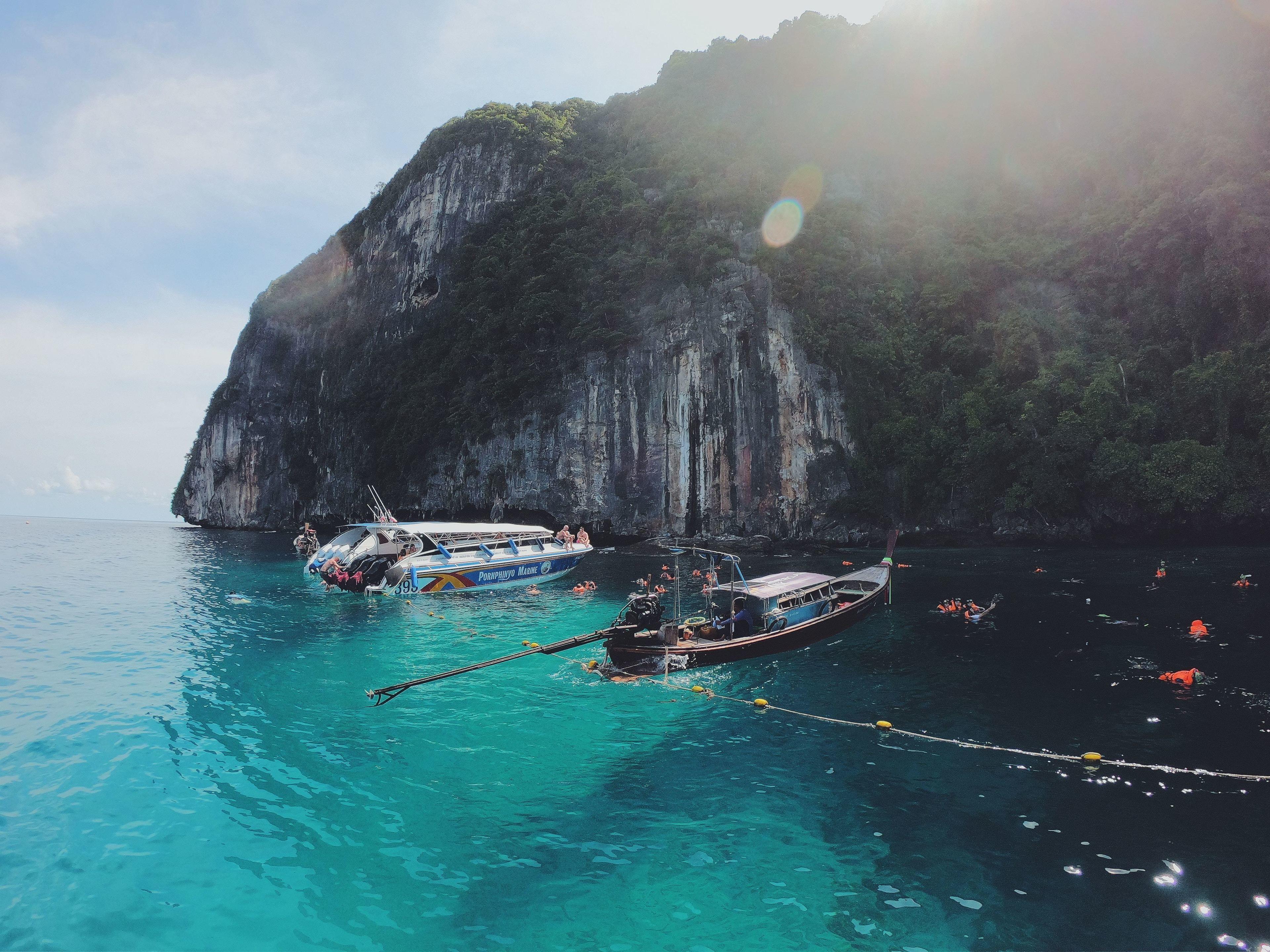 Phi Phi & Khai Islands Full-Day Tour by Speedboat