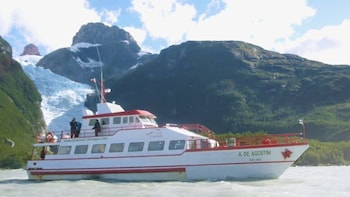 Navigation through the Balmaceda and Serrano glaciers