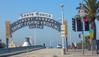 Tour the Coastal Areas of Santa Monica, Venice and Malibu