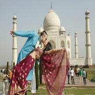 From Delhi :Tajmahal Photo Shoot with a Travel Photographer