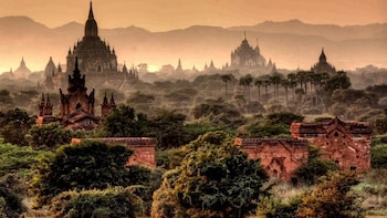 Private Guided Bagan Full Day Tour including Pickup
