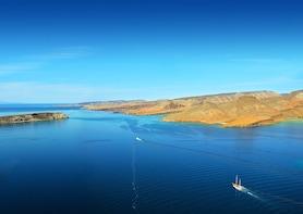 All-Inclusive Sailing, Snorkeling Espiritu Santo Island