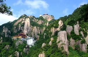 2 Days Jiuhua Mountain Discovery Tour from Huangshan