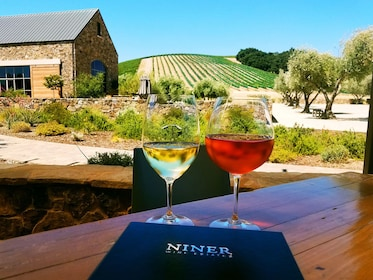 """""""Toast Together"""" Group Wine Tour of Paso Robles Wine Country"""