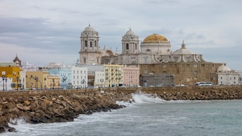 Jerez and Cadiz from Seville: Private Day Trip