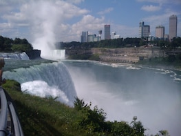 Epic Full Day Niagara Falls Tour from USA/Canada plus Lunch