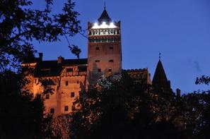 Bran Castle, Rasnov Fortress, Harman and Prejmer Day tour