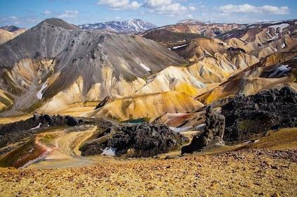 Landmannalaugar-Super_jeep_tour-mountains.jpg