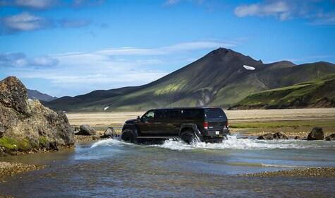 Landmannalaugar-Super_jeep_Tour-river-crossing.jpg