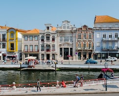 Aveiro and Coimbra daytour from Porto