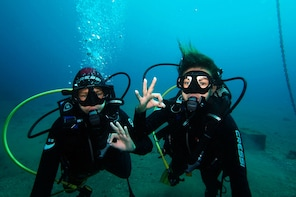Discover Scuba Diving, free pictures included