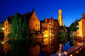 Excursion & Return Shuttle service from Zeebrugge to Bruges