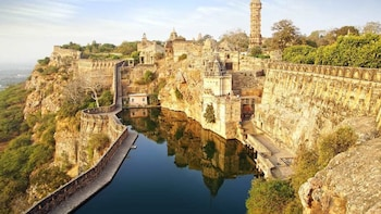 Evening Guided Excursion To Chittorgarh Trip With Transfers