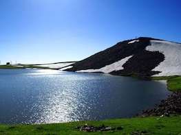 Amberd-Aragats (Lake Kari)-Saghmosavank:Private Tour