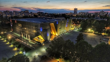 POLIN Museum of the History of Polish Jews : YOUR GROUP ONLY