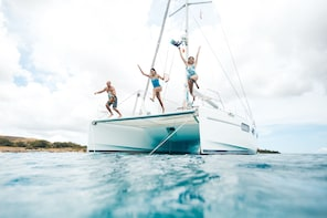 Oahu Small Group Half Day Yacht Cruise - Snorkel and Sail