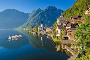 Small-Group Day Trip from Vienna to Hallstatt