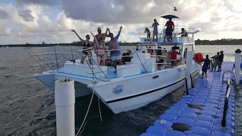 Punta Cana Destino Party Boat Privado