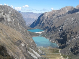 Llanganuco Lakes full day private tour