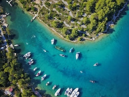 Private full-day boat tour to Blue Lagoon and Solta