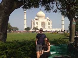 Taj Mahal Day Tour With Professional Photographer & Guide