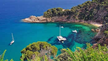 Costa Brava & Empuries: Boat Ride with Small Group & Pick-up