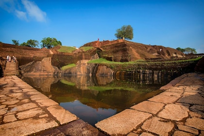 Sigiriya-Rock-Fortress-summit-4.jpg