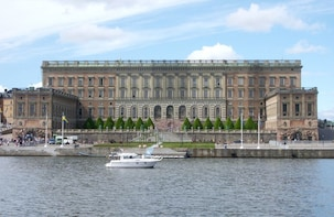 Stockholm Private Highlights: Vasa Museum & City from Water