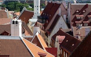 Tallinn: Old Town and Kalamaja Tour Small Group