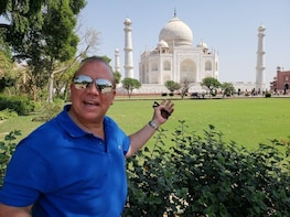 Private Taj Mahal Tour from Bangalore with Flights