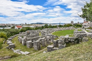 Salona, Klis and Trogir Historical Tour
