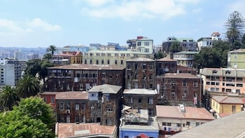 Full Day Private Valparaiso tour and wine tasting