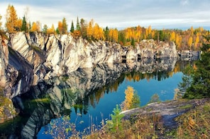 Private Tour to Ruskeala Mountain Park: Admire Marble Canyon