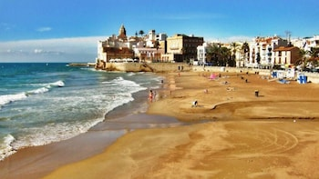 Tarragona and Sitges Full-Day Tour with Small Group