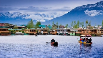 Srinagar City Tour (Pick-up from Hotel)